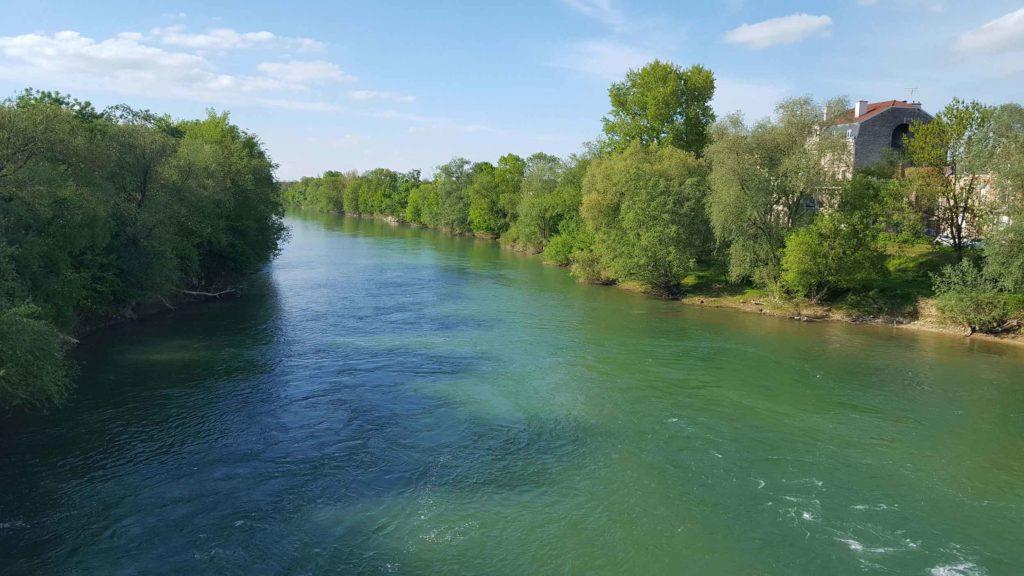photo de la Marne depuis le pont de la rue Jean Jaurès à Chalons-en-champagne